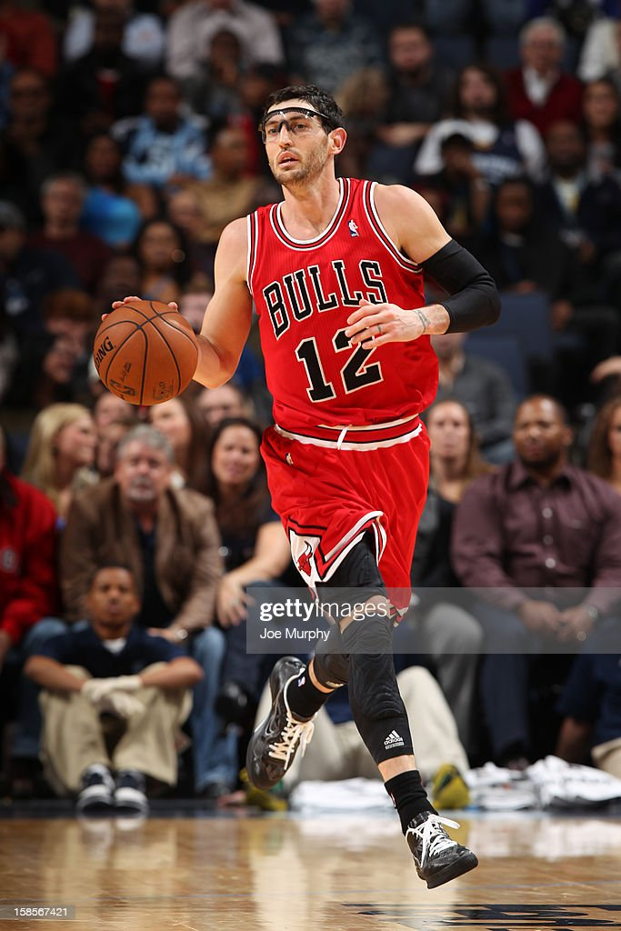 <a gi-track='captionPersonalityLinkClicked' href=/galleries/search?phrase=Kirk+Hinrich&family=editorial&specificpeople=201629 ng-click='$event.stopPropagation()'>Kirk Hinrich</a> #12 of the Chicago Bulls brings the ball up court against the Memphis Grizzlies on December 17, 2012 at FedExForum in Memphis, Tennessee.