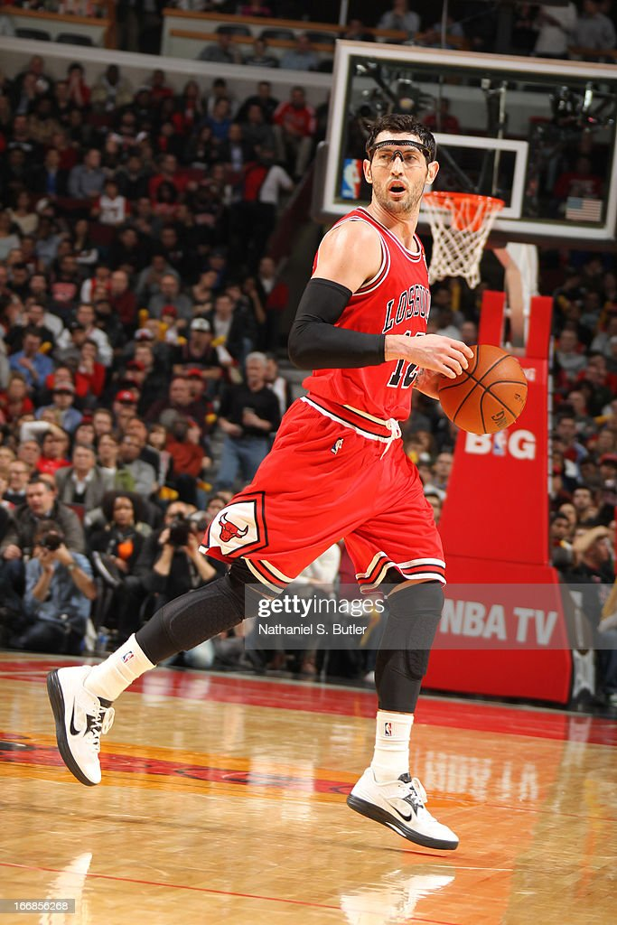 <a gi-track='captionPersonalityLinkClicked' href=/galleries/search?phrase=Kirk+Hinrich&family=editorial&specificpeople=201629 ng-click='$event.stopPropagation()'>Kirk Hinrich</a> #12 of the Chicago Bulls dribbles the ball against the Miami Heat Chicago Bulls on March 27, 2013 at the United Center in Chicago, Illinois.