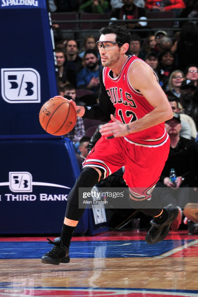 <a gi-track='captionPersonalityLinkClicked' href=/galleries/search?phrase=Kirk+Hinrich&family=editorial&specificpeople=201629 ng-click='$event.stopPropagation()'>Kirk Hinrich</a> #12 of the Chicago Bulls dribbles the ball against the Detroit Pistons on November 27, 2013 at The Palace of Auburn Hills in Auburn Hills, Michigan.