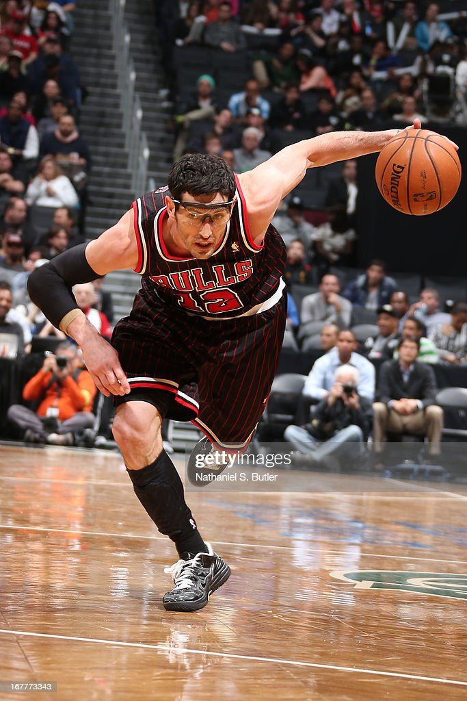 Kirk Hinrich #12 of the Chicago Bulls drives against the Brooklyn Nets on April 4, 2013 at the Barclays Center in the Brooklyn borough of New York City.