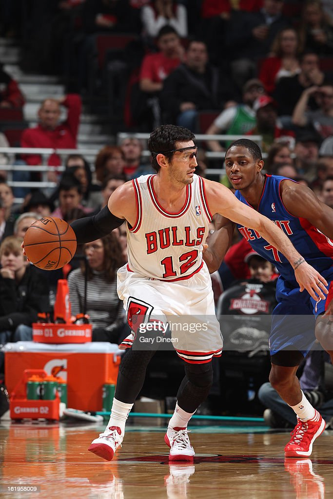 <a gi-track='captionPersonalityLinkClicked' href=/galleries/search?phrase=Kirk+Hinrich&family=editorial&specificpeople=201629 ng-click='$event.stopPropagation()'>Kirk Hinrich</a> #12 of the Chicago Bulls looks to pass the ball against the Detroit Pistons on January 23, 2012 at the United Center in Chicago, Illinois.