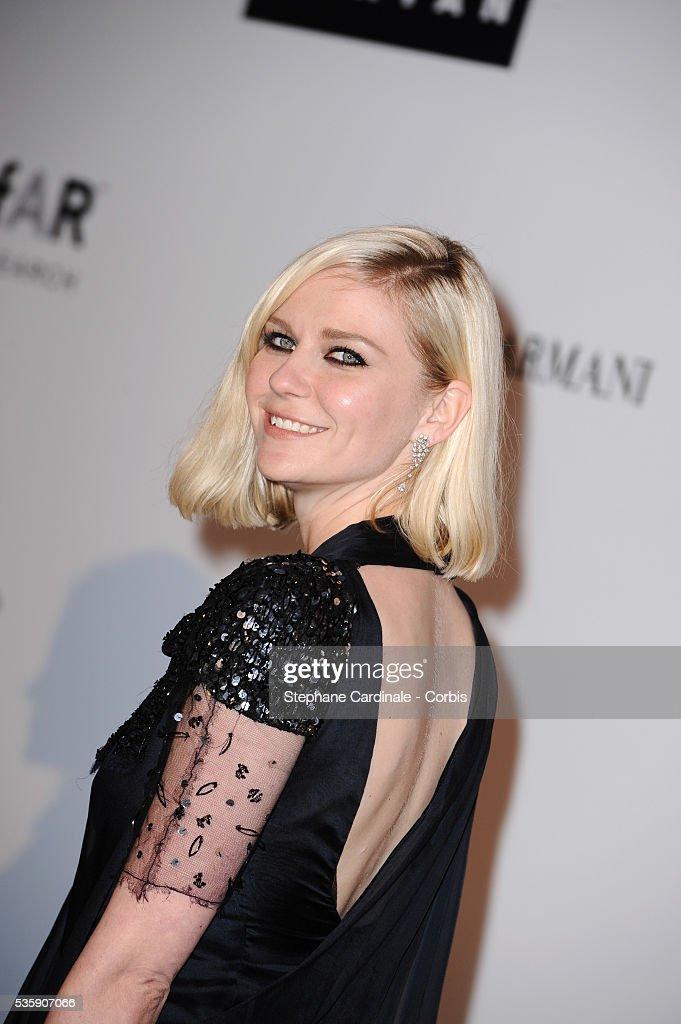 Kirsten Dunst attends the '2010 amfAR's Cinema Against AIDS' Gala - Arrivals