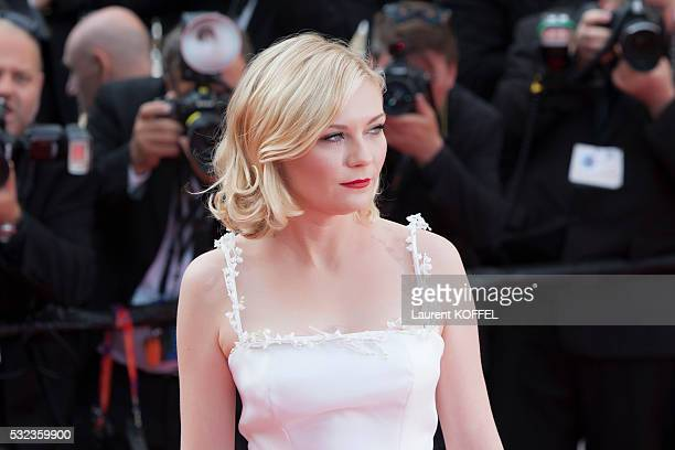 Kirsten Dunst attends the 'Loving' red carpet arrivals during the 69th annual Cannes Film Festival at the Palais des Festivals on May 16 2016 in...