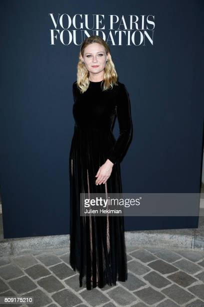 Kirsten Dunst attends the Vogue Foundation Dinner during Paris Fashion Week as part of Haute Couture Fall/Winter 20172018 at Musee Galliera on July 4...