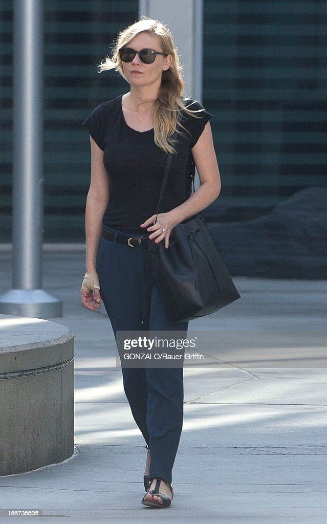 <a gi-track='captionPersonalityLinkClicked' href=/galleries/search?phrase=Kirsten+Dunst&family=editorial&specificpeople=171590 ng-click='$event.stopPropagation()'>Kirsten Dunst</a> is seen on November 03, 2013 in Los Angeles, California.