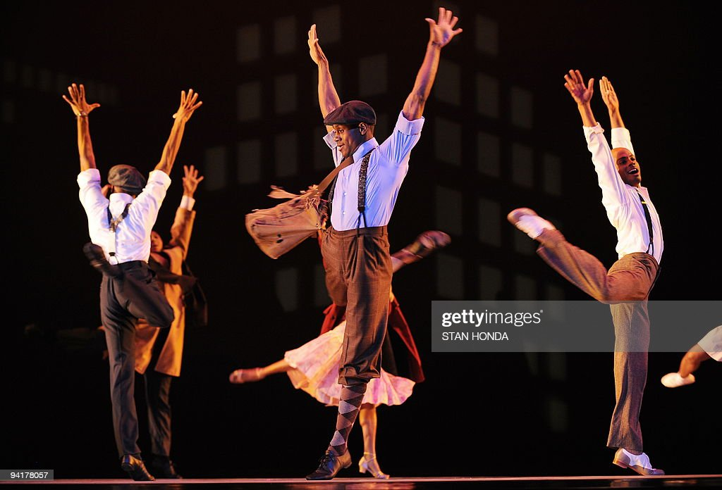 Kirven James Boyd (C) and other dancers of the Alvin Ailey American Dance Theater during dress rehearsal of 'Uptown', chorographed by Matthew Rushing, December 9, 2009 in New York. The performance highlights key events of the Harlem Renaissance era in the 1920's. AFP PHOTO/Stan Honda
