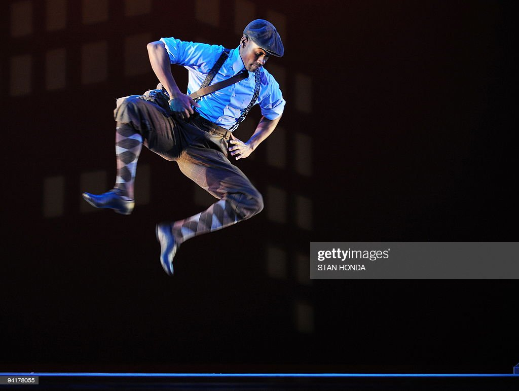 Kirven James Boyd of the Alvin Ailey American Dance Theater performs during dress rehearsal of 'Uptown', chorographed by Matthew Rushing, December 9, 2009 in New York. The performance highlights key events of the Harlem Renaissance era in the 1920's. AFP PHOTO/Stan Honda