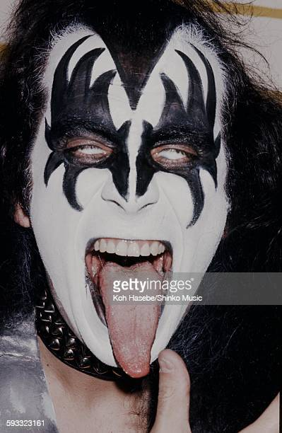 Kiss Gene Simmons extends the tongue at Press conference CA July 1976