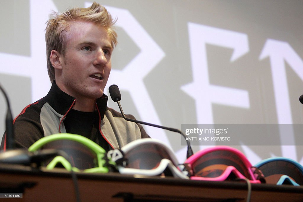 Ted Ligety of the team USA, gold medallist of Turin 2006 Winter Olympic Games in men?s combined Alpine event answers journalists questions at a press conference 10 November 2006 prior to FIS Alpine Skiing World Cup slalom start in Levi, Northern Finland. AFP PHOTO/ LEHTIKUVA / Antti Aimo-Koivisto FINLAND OUT