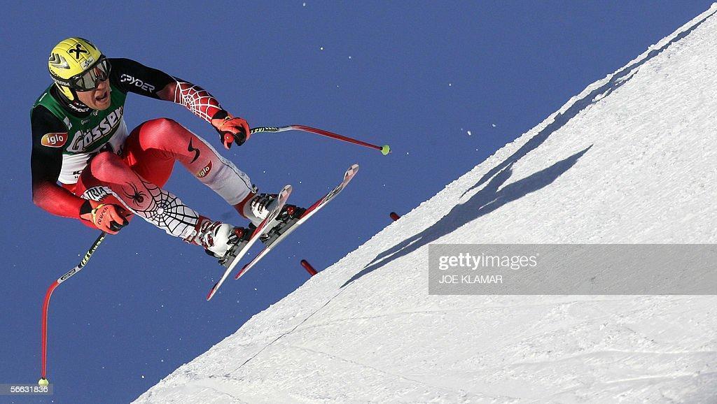 Austria's Hermann Maier speeds down during the men's superG FIS World cup in Kitzbuehel 20 January 2006 Austrian Hermann Maier won ahead of Peter...