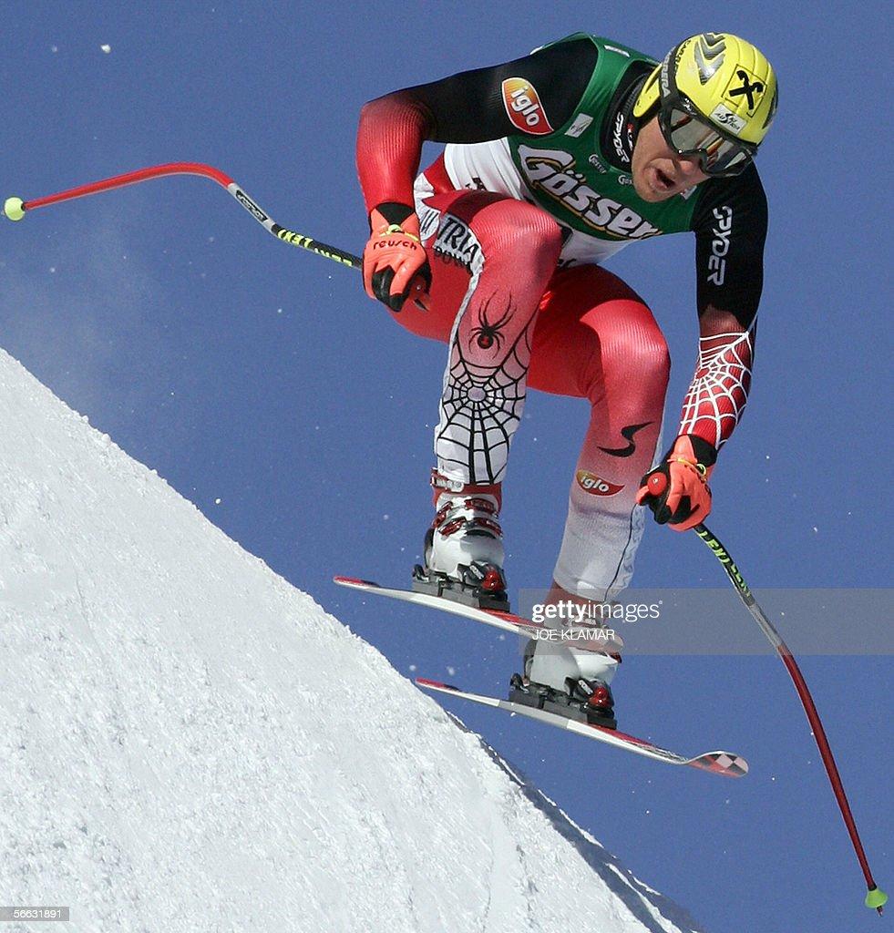 Austria's Hermann Maier speeds down during the men's superG FIS World cup in Kitzbuhel 20 January 2006 Austrian Hermann Maier won ahead of Peter Fill...