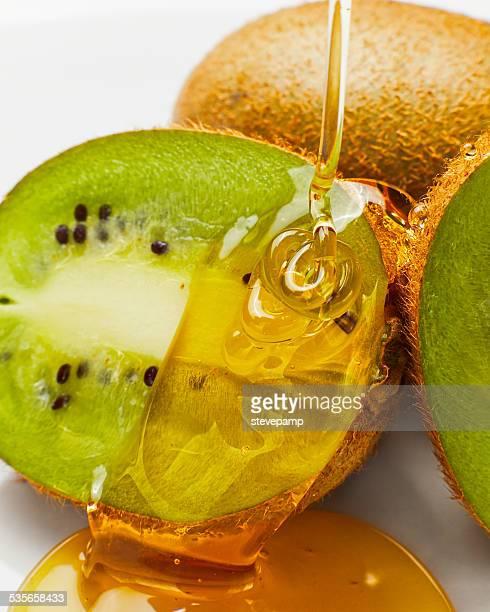 Kiwi fruit with honey