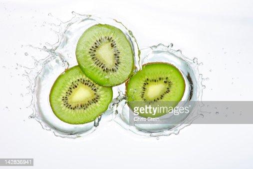 Kiwi Slices Splash : Stock Photo