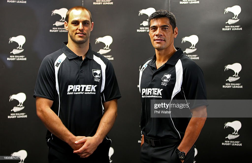 Kiwis coach <a gi-track='captionPersonalityLinkClicked' href=/galleries/search?phrase=Stephen+Kearney&family=editorial&specificpeople=171905 ng-click='$event.stopPropagation()'>Stephen Kearney</a> (R) and captain Simon Mannering pose following the New Zealand Kiwis Rugby League World Cup Squad Announcement at Rugby League House on October 8, 2013 in Auckland, New Zealand.
