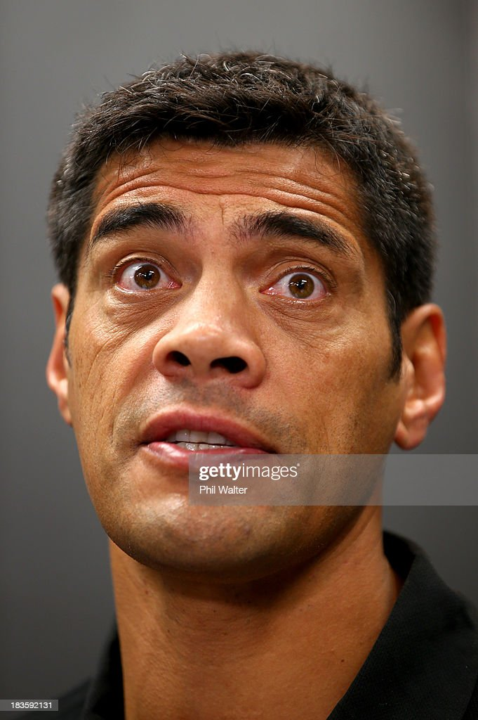 Kiwis coach Stephen Kearney speaks to the media during the New Zealand Kiwis Rugby League World Cup Squad Announcement at Rugby League House on October 8, 2013 in Auckland, New Zealand.