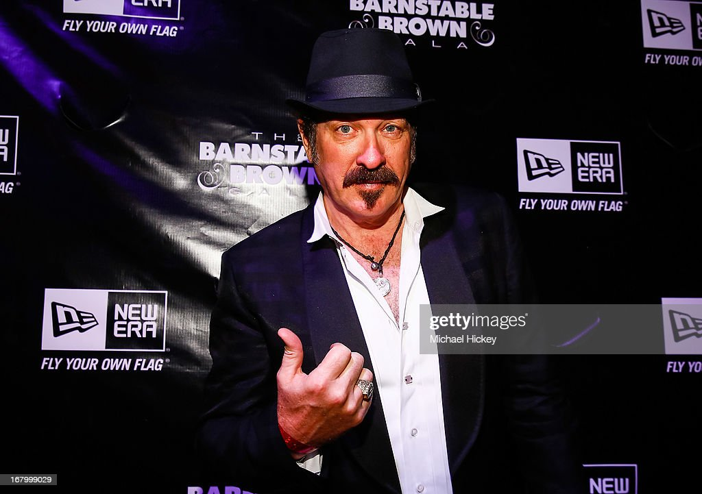 <a gi-track='captionPersonalityLinkClicked' href=/galleries/search?phrase=Kix+Brooks&family=editorial&specificpeople=206811 ng-click='$event.stopPropagation()'>Kix Brooks</a> seen at the New Era Cap tent at The Barnstable Brown Gala on May 3, 2013 in Louisville, Kentucky.