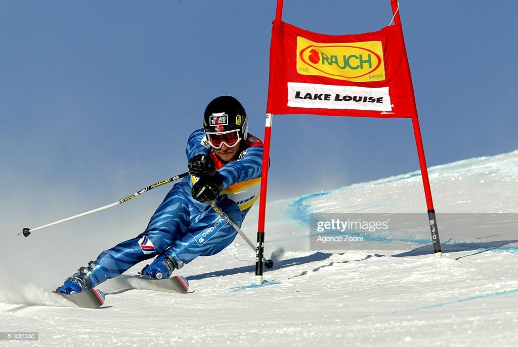 Kjetil Andre Aamodt in action during Day Two of the FIS Ski World Cup Mens Super Giant Slalom competition on November 28, 2004 in Lake Louise, Canada.