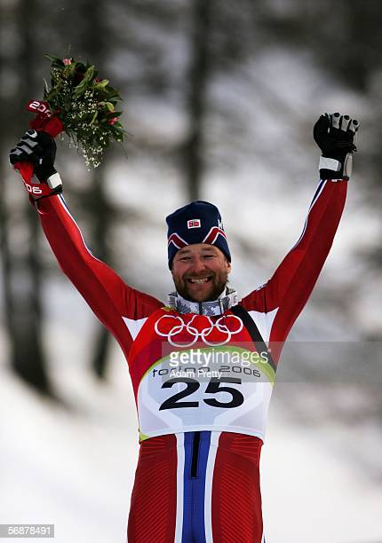 Kjetil Andre Aamodt of Norway celebrates his gold medal after his run in the Mens SuperG Alpine Skiing Final on Day 8 of the 2006 Turin Winter...