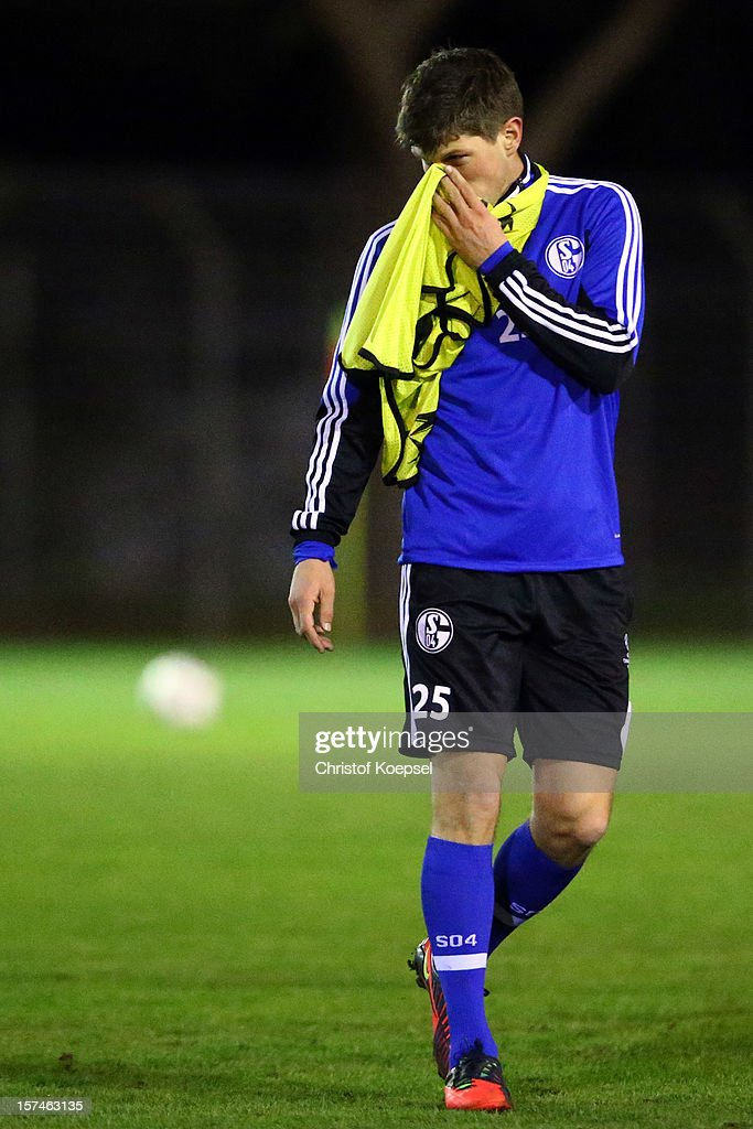 Klaas-Jan Huntelaar attends the training session of FC Schalke 04 at training ground of Montpellier ahead of the UEFA Champions League group B match between Montpellier Herault SC and FC Schalke 04 on December 3, 2012 in Montpellier, France.