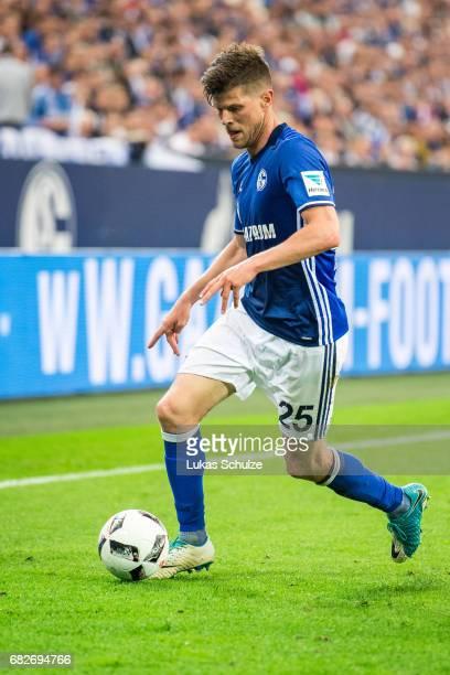 KlaasJan Huntelaar of Schalke in action during the Bundesliga match between FC Schalke 04 and Hamburger SV at VeltinsArena on May 13 2017 in...