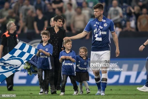 KlaasJan Huntelaar of Schalke say farewell with his children after the Bundesliga match between FC Schalke 04 and Hamburger SV at VeltinsArena on May...