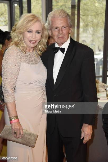 Klaus Bresser and his wife Evelyn Bresser attend the Victress Awards Gala 2017 on May 8 2017 in Berlin Germany