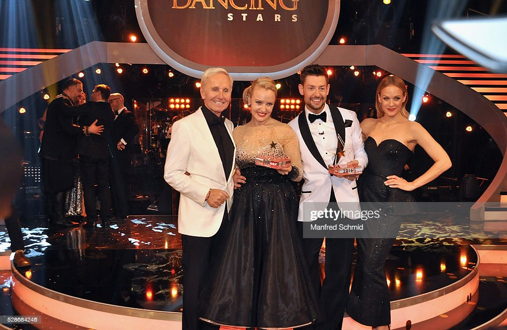 Klaus Eberhartinger, Verena Scheitz, Florian Gschaider and Mirjam Weichselbraun (L-R) pose during the 'Dancing Stars' finals in Vienna at ORF Zentrum on May 6, 2016 in Vienna, Austria.