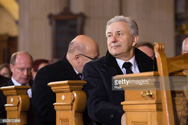 Klaus Wowereit attends the state funeral of the late former German President Roman Herzog at the Dom Cathedral on January 24 2017 in Berlin Roman...