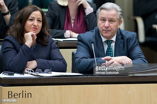Klaus Wowereit Berlin Mayor and Berlin Minister for Integration Dilek Kolat attend a session of the Federal Council on November 8 2013 in Berlin...