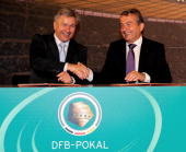 Klaus Wowereit mayor of Berlin and Wolfgang Niersbach general seceratary of the DFB sign an agreement to hold the final in Berlin until 2015 during...