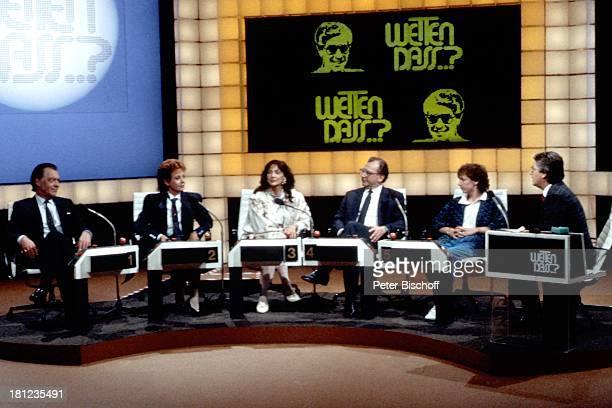 Klausjürgen Wussow Caterina Valente Christine Kaufmann Lothar Späth Name auf Wunsch Frank Elstner ZDFShow 'Wetten Dass' Böblingen Mikro Mikrofon...