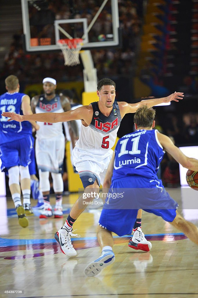 <a gi-track='captionPersonalityLinkClicked' href=/galleries/search?phrase=Klay+Thompson&family=editorial&specificpeople=5132325 ng-click='$event.stopPropagation()'>Klay Thompson</a> #5 of the USA Basketball Men's National Team plays defense against <a gi-track='captionPersonalityLinkClicked' href=/galleries/search?phrase=Petteri+Koponen&family=editorial&specificpeople=4231499 ng-click='$event.stopPropagation()'>Petteri Koponen</a> #11 of the Finland Nation Basketball Team during the FIBA 2014 World Cup Tournament at the Bilbao Exhibition Center on August 30, 2014 in Bilbao, Spain.