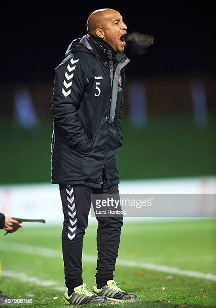 Kleber Saarenpaa head coach of Vejle Boldklub looks on during the Danish 1th Division Bet25 Liga match between Lyngby Boldklub and Vejle Boldklub at...