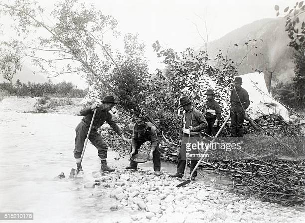 Klondike miners washing out gold Photo 1897