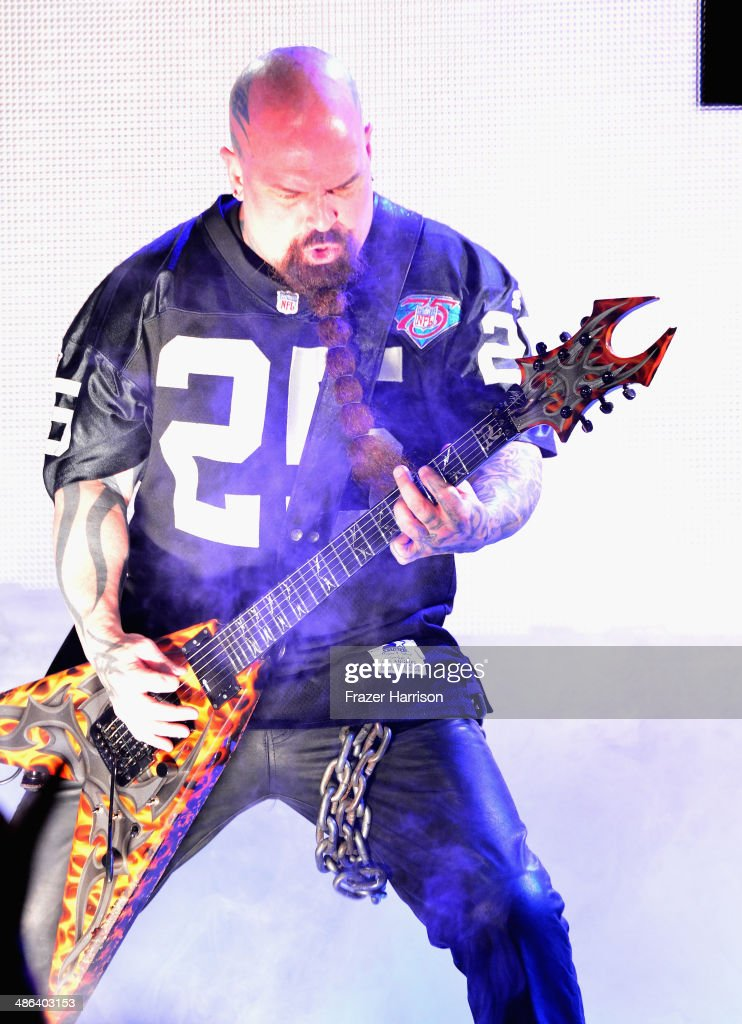 KMusician <a gi-track='captionPersonalityLinkClicked' href=/galleries/search?phrase=Kerry+King&family=editorial&specificpeople=236089 ng-click='$event.stopPropagation()'>Kerry King</a> of Slayer performs at the 6th Annual Revolver Golden Gods Award Show at Club Nokia on April 23, 2014 in Los Angeles, California.