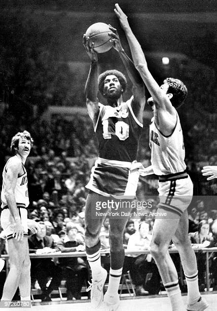 Knicks vs Lakers at Madison Square Garden Knick Phil Jackson guards Corky Calhoun as he drives for second quarter layup