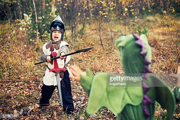 Knight kämpfen mit green dragon.
