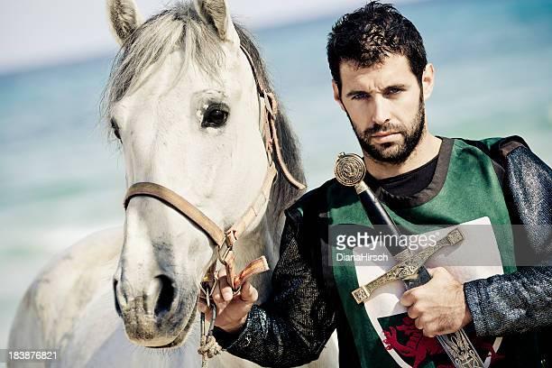 knight con caballo blanco