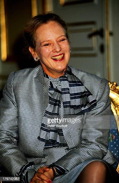 Königin Margrethe II von Dänemark Porträt geb16 April 1940 Sternzeichen Widder DänischesKönigshaus Promis Prominente Prominenter