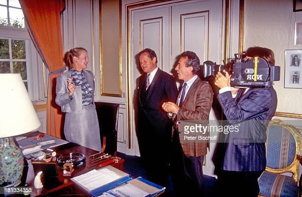 Königin Margrethe II von Dänemark Rolf SeelmannEggebert Istvan Bury Kameramann Dreharbeiten zur ARDReihe 'Europäische Königshäuser' Kopenhagen...