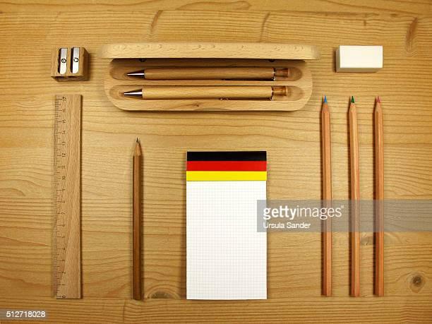 Knolling - Well-arranged office desk