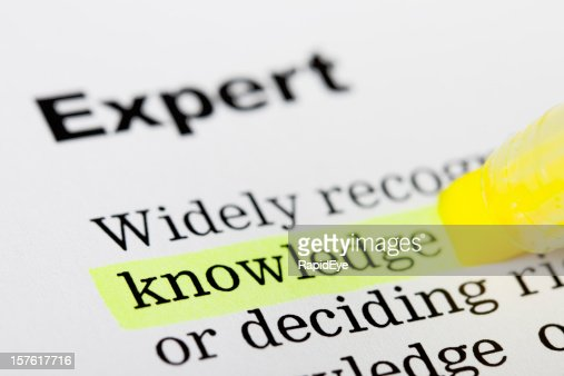 """Página impresa con """"conocimiento"""" resaltado amarillo"""