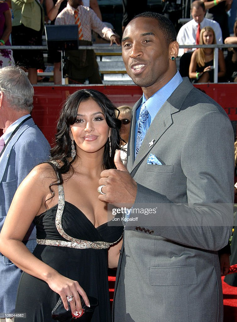 Kobe Bryant and Vanessa Bryant during 2006 ESPY Awards Arrivals at Kodak Theatre in Hollywood CA United States