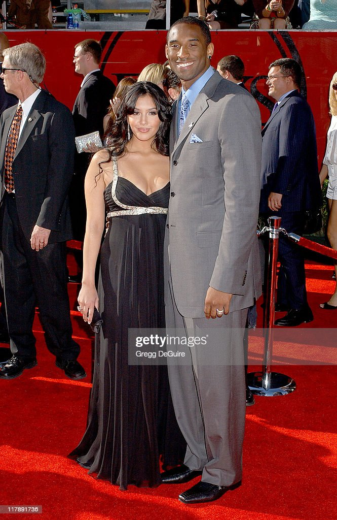 Kobe Bryant and Vanessa Bryant during 2006 ESPY Awards Arrivals at Kodak Theatre in Los Angeles California United States