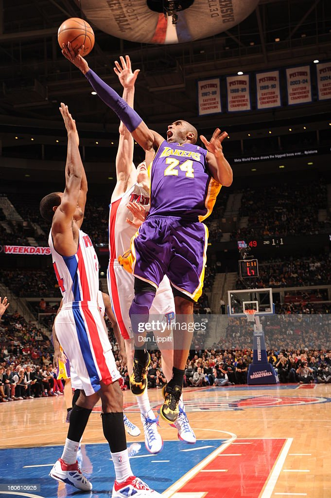 Kobe Bryant #24 of the Los Angeles Lakers goes up for the hoop in traffic against the Detroit Pistons during the game on February 3, 2013 at The Palace of Auburn Hills in Auburn Hills, Michigan.