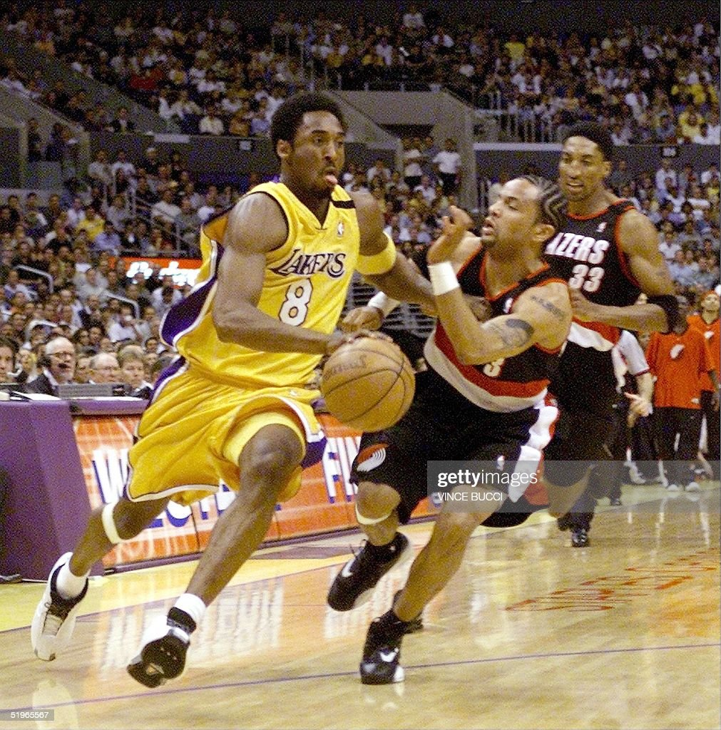 Kobe Bryant L of the Los Angeles Lakers is pursu