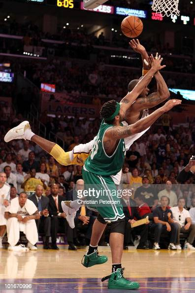 Kobe Bryant of the Los Angeles Lakers loses control of the ball under pressure from Rasheed Wallace of the Boston Celtics in Game Two of the 2010 NBA...