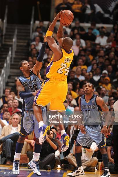 Kobe Bryant of the Los Angeles Lakers shoots against OJ Mayo and Mike Conley of the Memphis Grizzlies during the game on November 6 2009 at Staples...