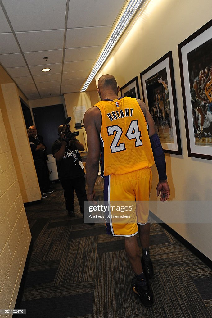 Utah jazz v los angeles lakers getty images for Living room jazz los angeles