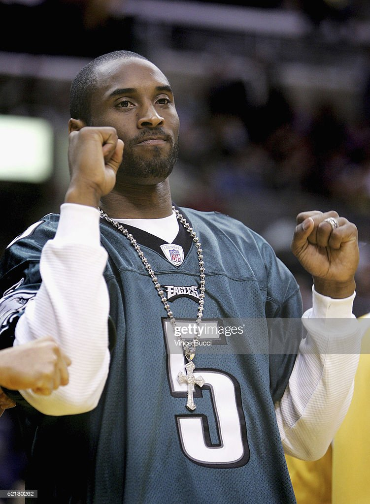 84078c6ef4f Kobe Bryant wears a Philadelphia Eagles jersey at the game between the Los  Angeles Lakers and ...